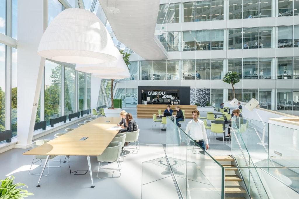 Deloitte, gebouw the EDGE aan de Gustav Mahlerlaan, Zuidas Amsterdam. Interieur ontwerp door Fokkema & partners architecten